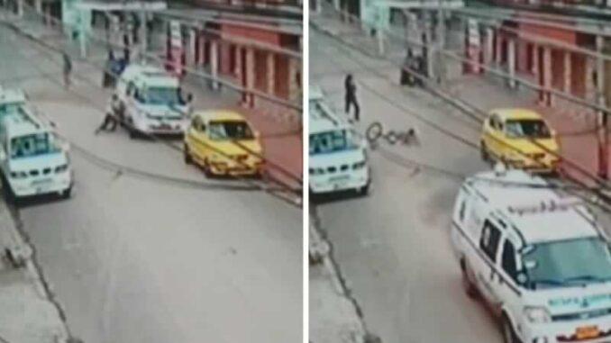 Ambulancia atropella a un abuelito de 85 años y se da a la fuga